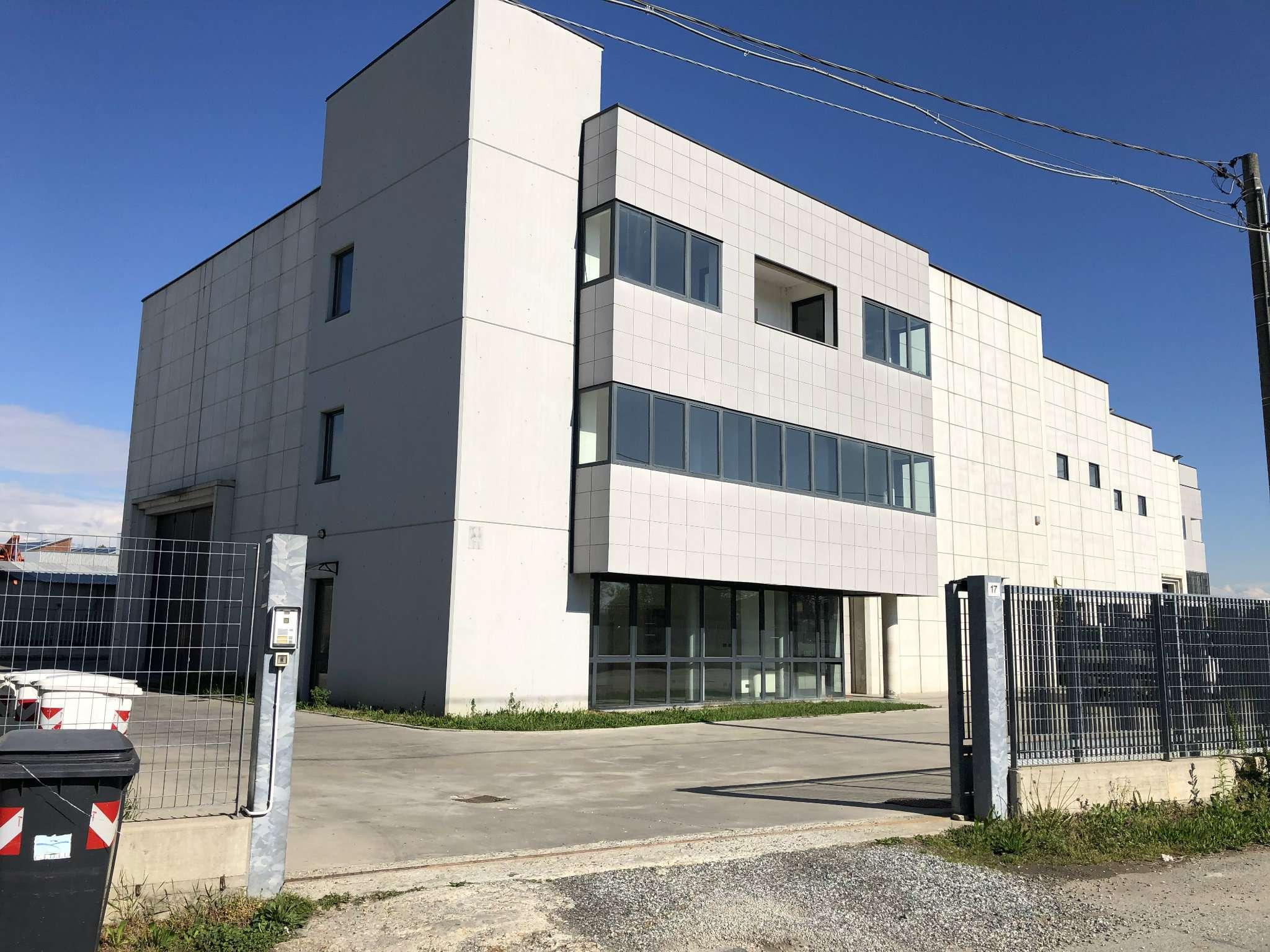 Capannone in vendita a Grugliasco, 9999 locali, Trattative riservate | PortaleAgenzieImmobiliari.it