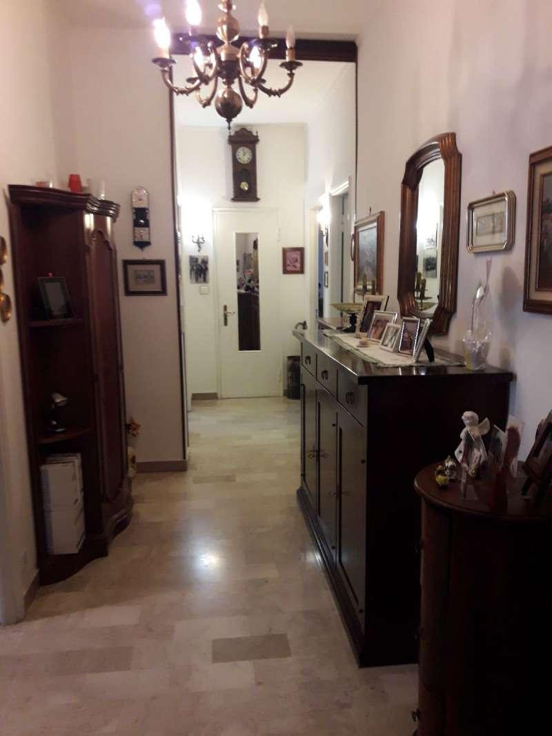 Appartamento in buone condizioni parzialmente arredato in vendita Rif. 7164190