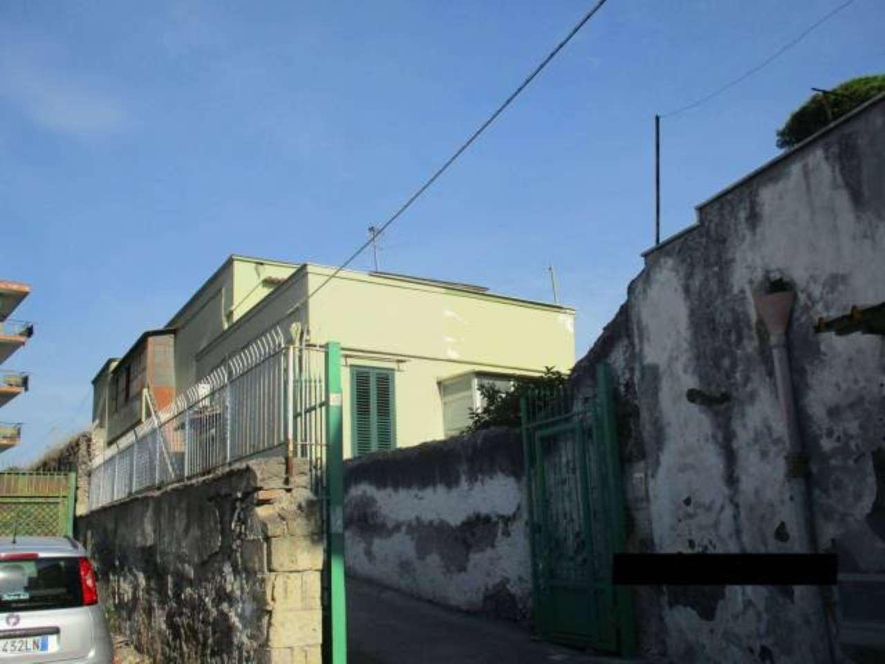 Foto 14 di Bilocale Portici