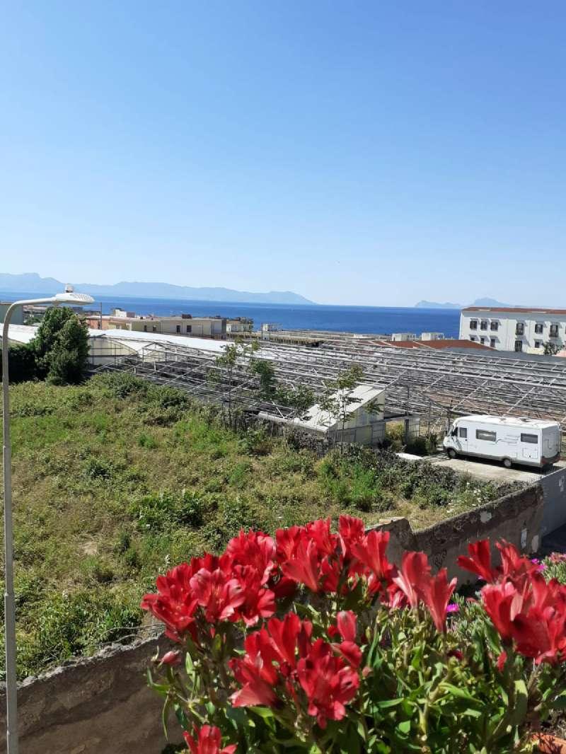 Appartamento in vendita a Ercolano, 3 locali, prezzo € 235.000   CambioCasa.it