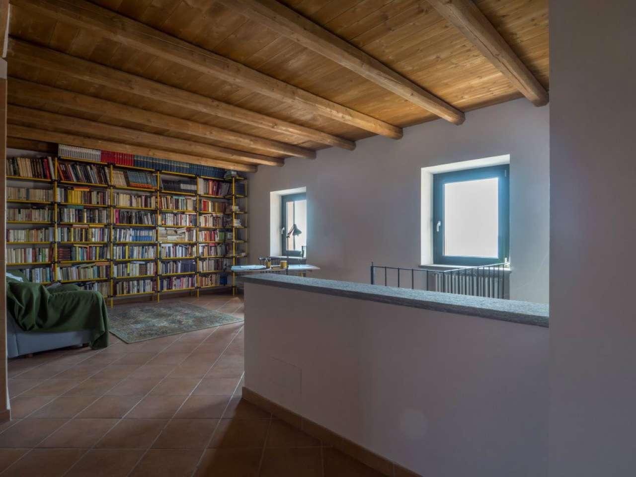 Soluzione Indipendente in vendita a Cocconato, 10 locali, prezzo € 390.000 | CambioCasa.it