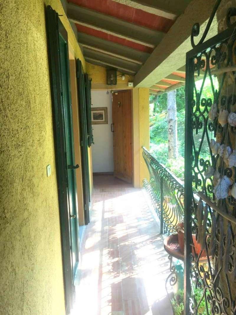Appartamento in ottime condizioni in vendita Rif. 8087874
