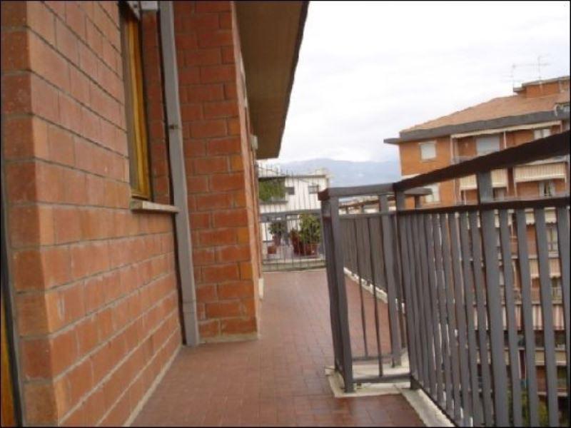 Appartamento in affitto a Pistoia, 5 locali, prezzo € 600 | PortaleAgenzieImmobiliari.it