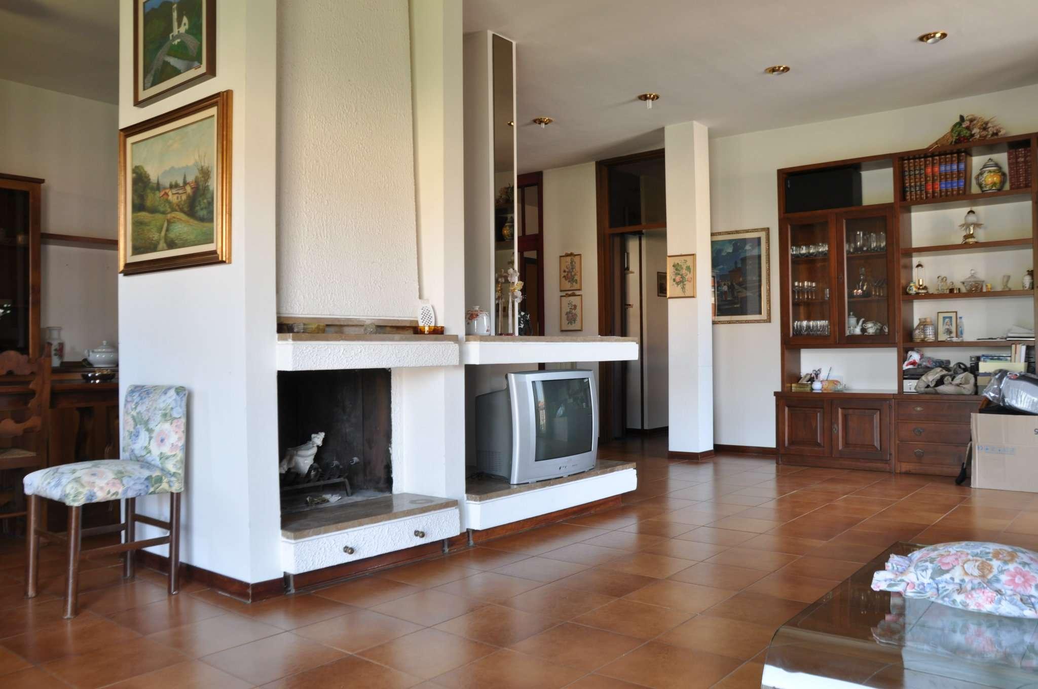 Appartamento in vendita a Quarrata, 5 locali, prezzo € 215.000 | CambioCasa.it