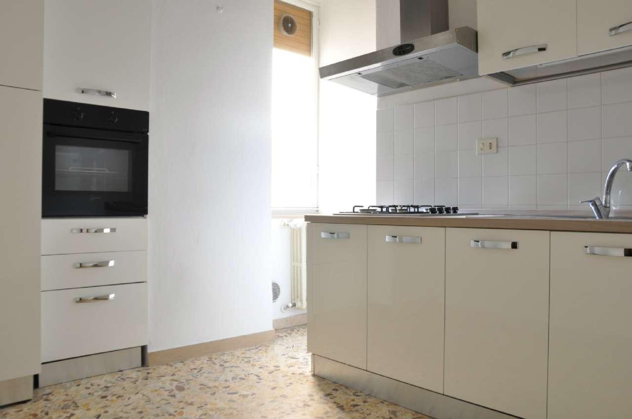 Appartamento in affitto a Pistoia, 4 locali, prezzo € 600   CambioCasa.it