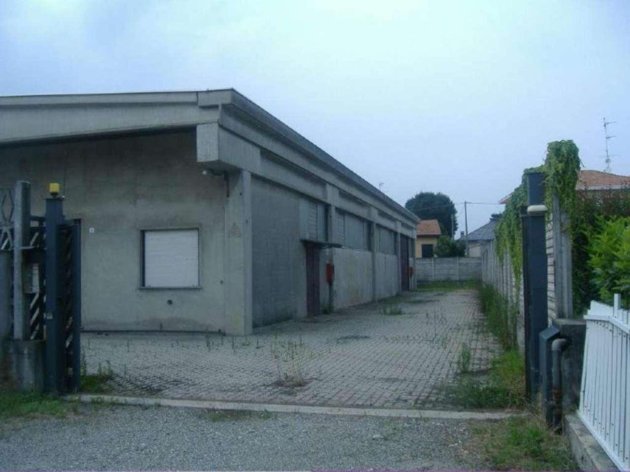 Capannone in vendita a Somma Lombardo, 1 locali, prezzo € 210.000 | PortaleAgenzieImmobiliari.it