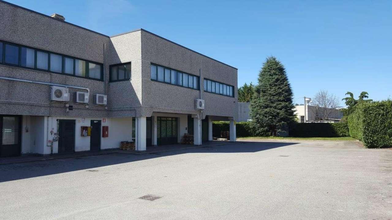 Capannone in affitto a Ternate, 1 locali, prezzo € 3.333 | PortaleAgenzieImmobiliari.it