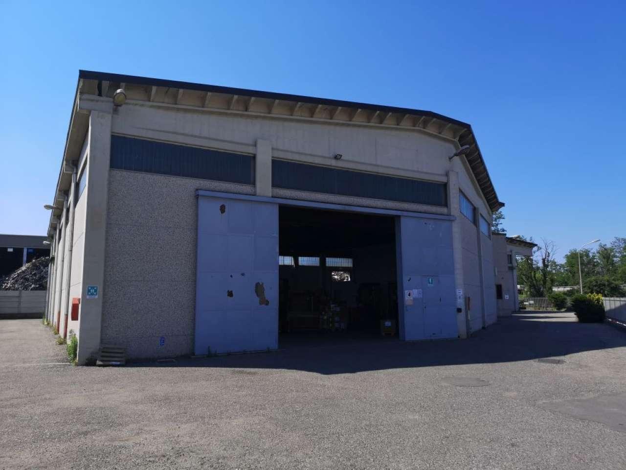 Capannone in affitto a Cassano Magnago, 9999 locali, prezzo € 3.750 | PortaleAgenzieImmobiliari.it