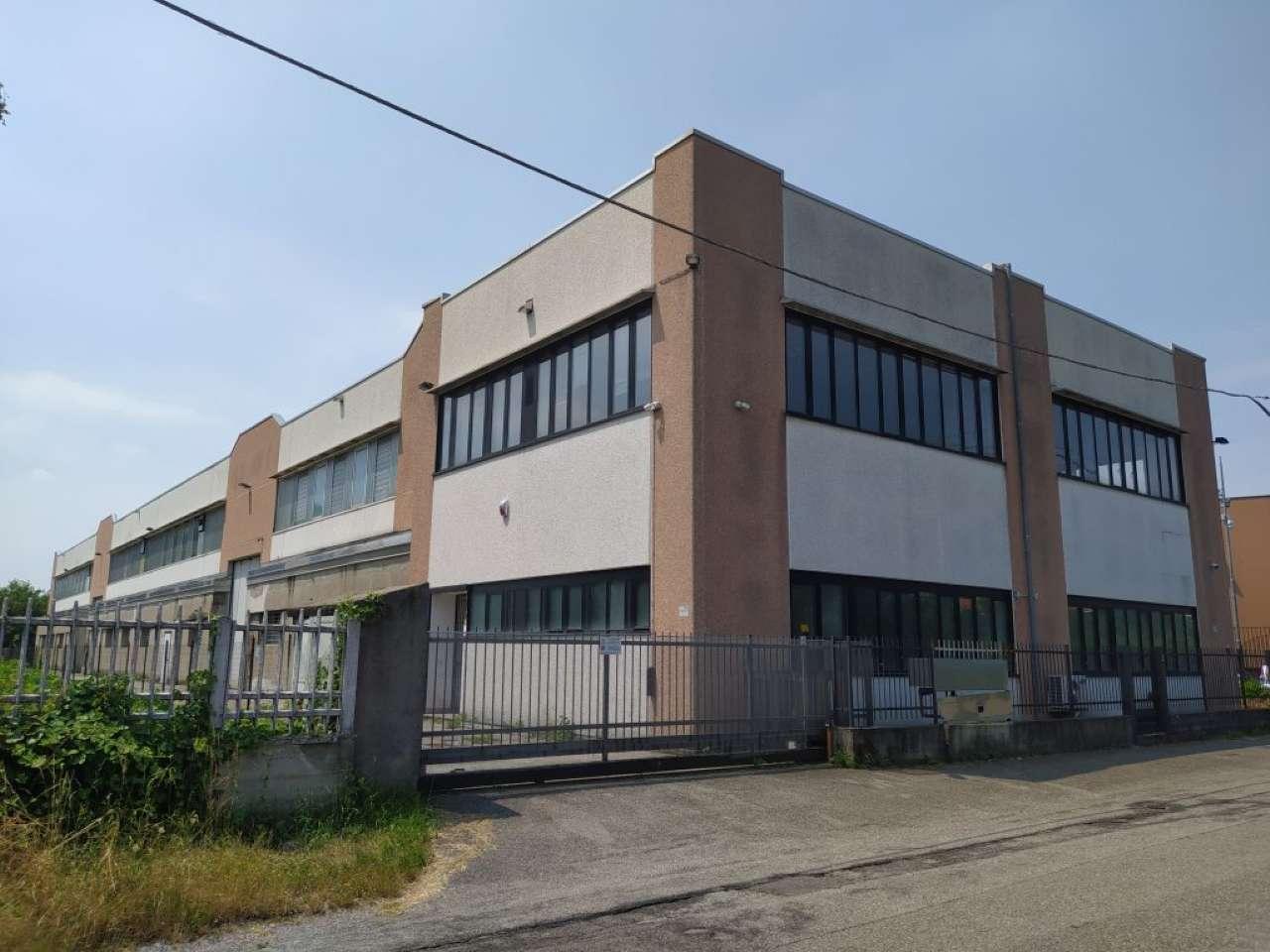 Capannone in affitto a Cardano al Campo, 9999 locali, prezzo € 4.833   PortaleAgenzieImmobiliari.it