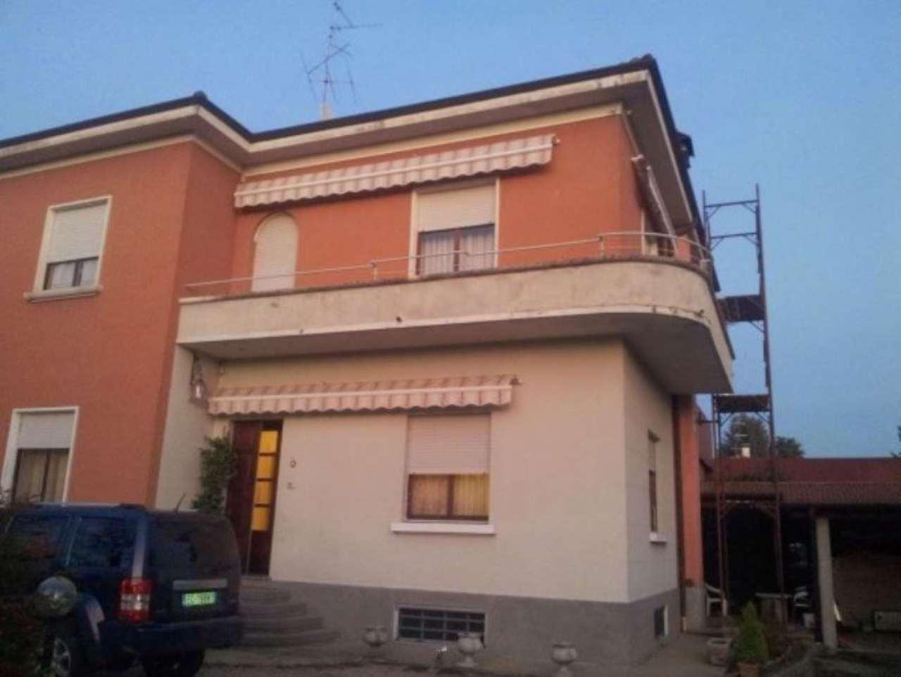 Villa in Vendita a Albizzate
