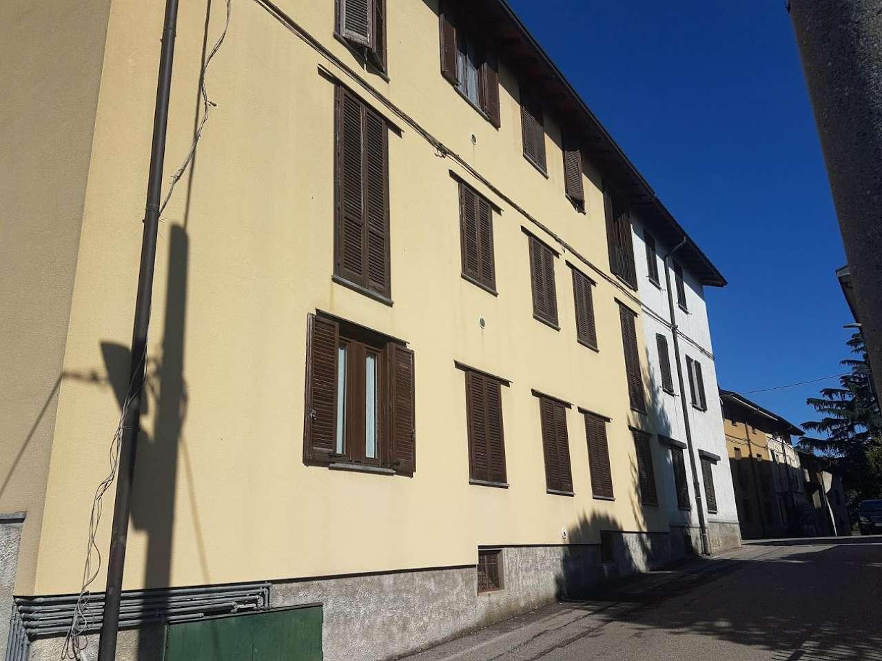 Appartamento in buone condizioni in vendita Rif. 8006844