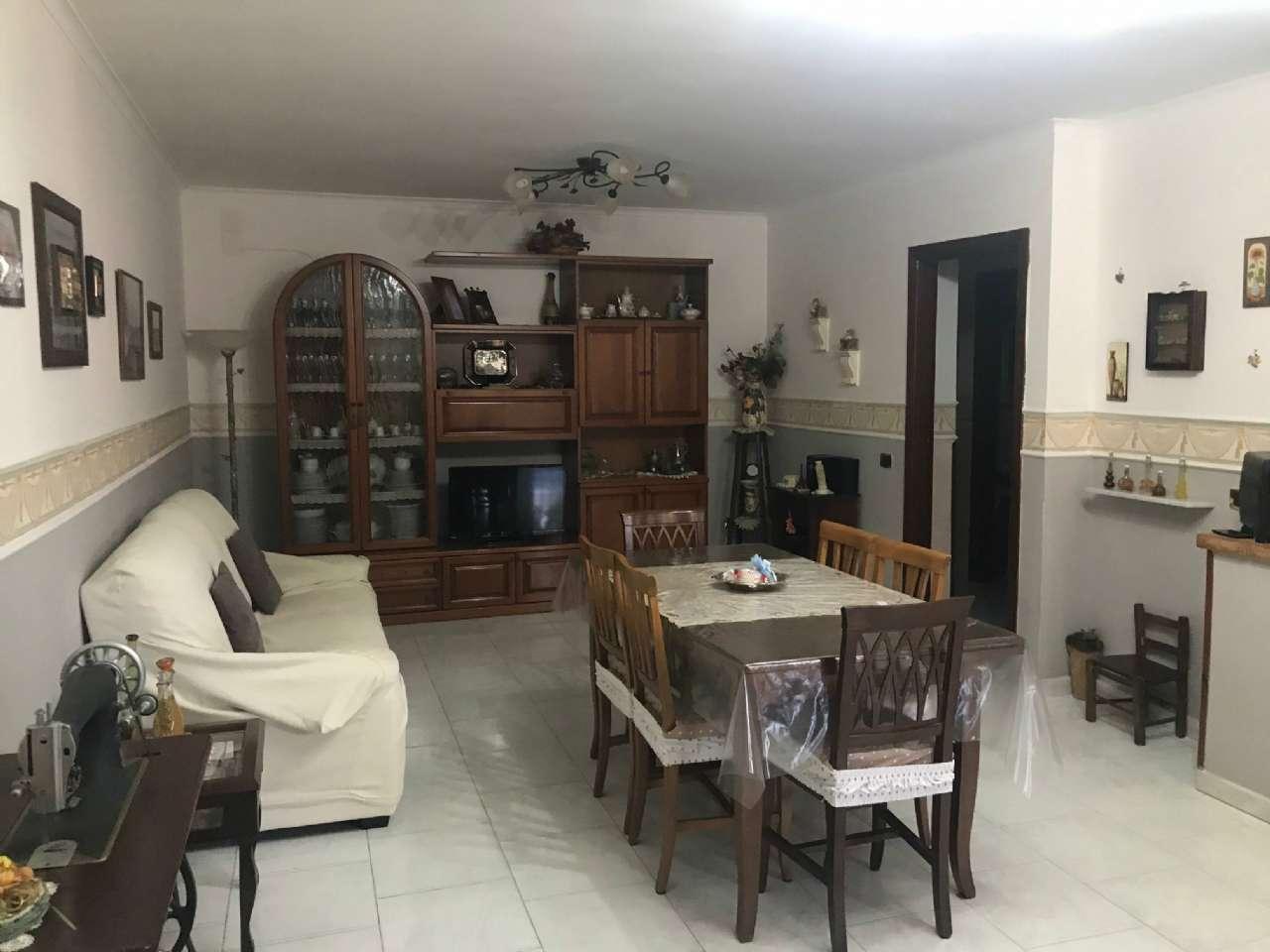 Appartamento in buone condizioni in vendita Rif. 7270571