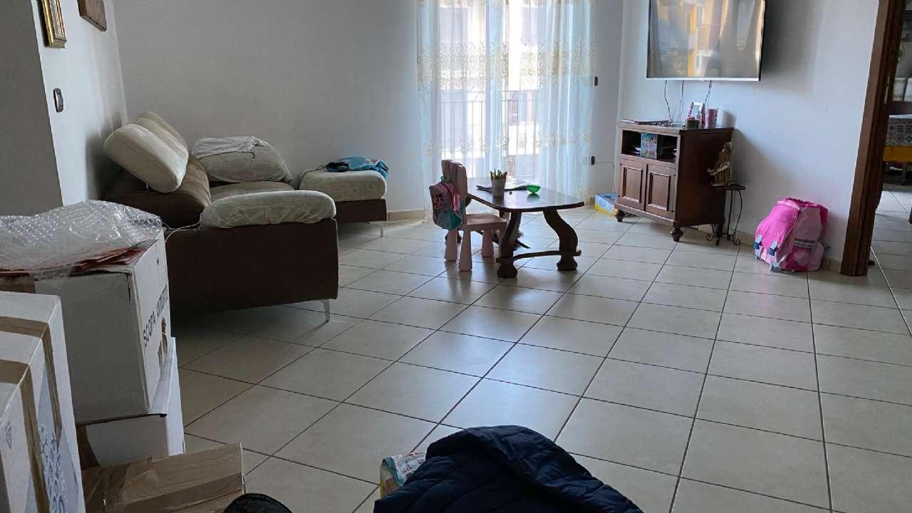 Appartamento in affitto a Giugliano in Campania, 4 locali, prezzo € 500   CambioCasa.it