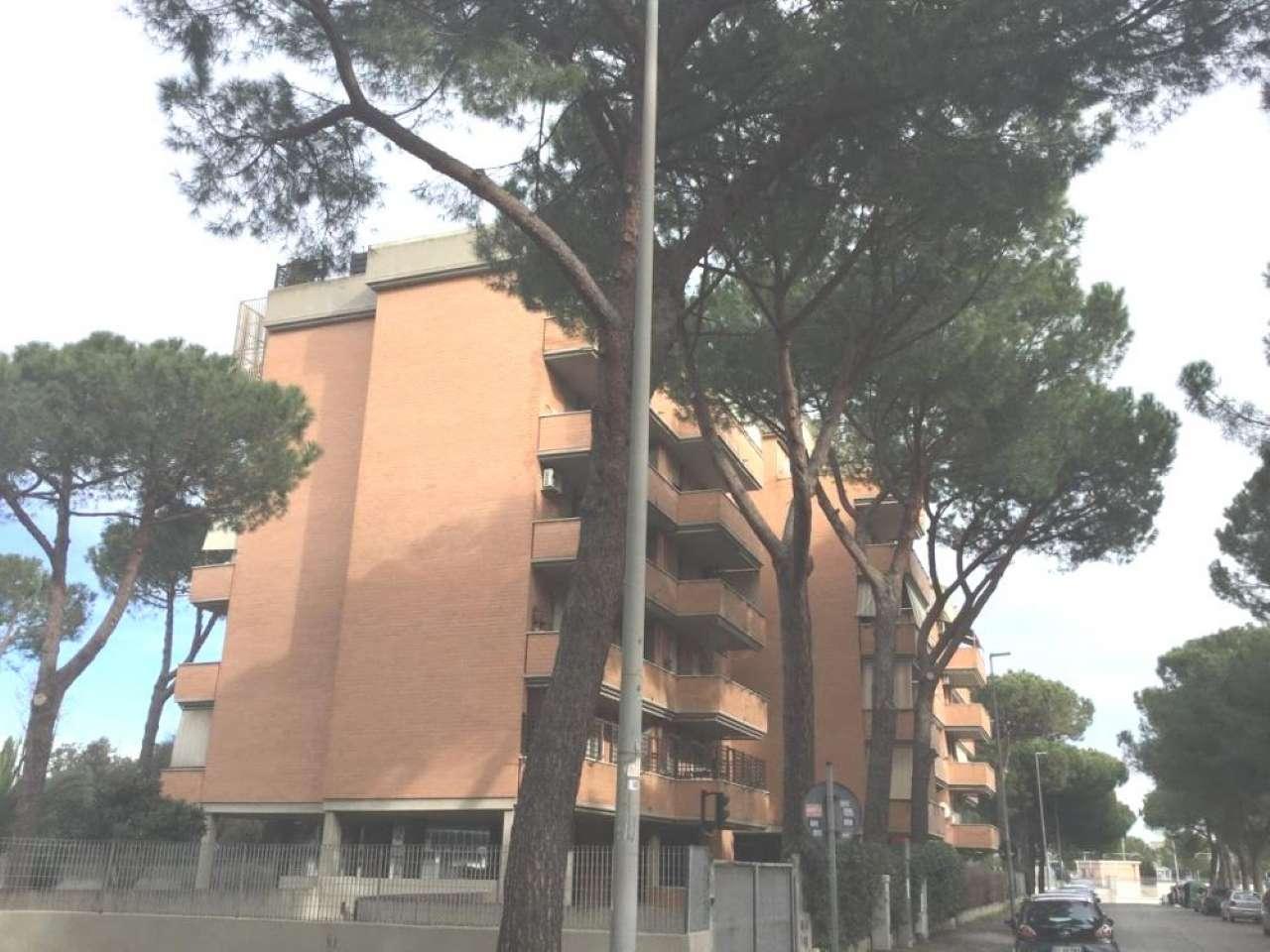 Appartamento in vendita a Roma, 3 locali, zona Zona: 16 . Appia nuova - Alberone - Colli Albani, prezzo € 225.000 | CambioCasa.it