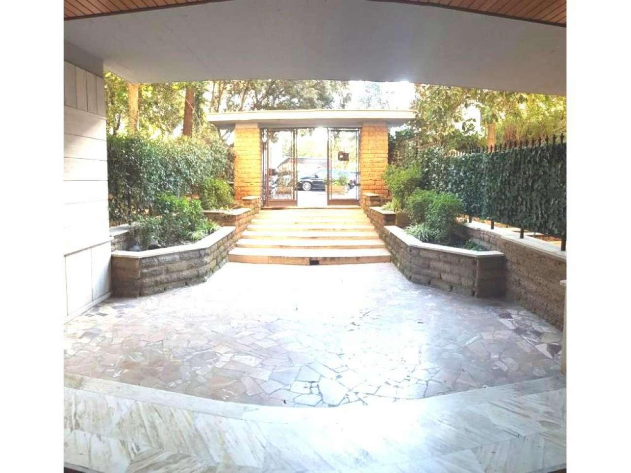 Appartamento in vendita a Roma, 3 locali, zona Zona: 21 . Laurentina, prezzo € 515.000   CambioCasa.it