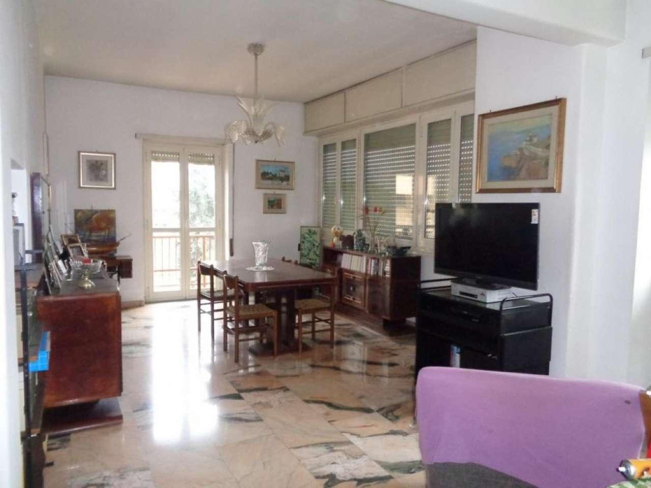 Appartamento in vendita a Roma, 5 locali, zona Zona: 18 . Ardeatino - Grotta Perfetta - Fonte Meravigliosa, prezzo € 450.000   CambioCasa.it