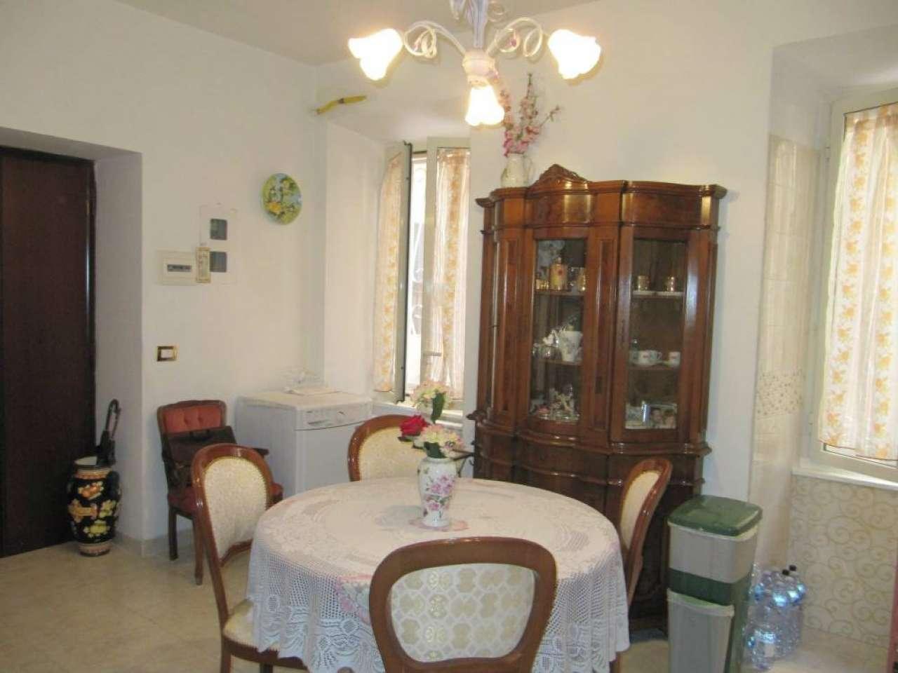 Appartamento in vendita a Roma, 3 locali, zona Zona: 12 . Cinecittà,Don Bosco, Lucrezia Romana, prezzo € 195.000 | CambioCasa.it