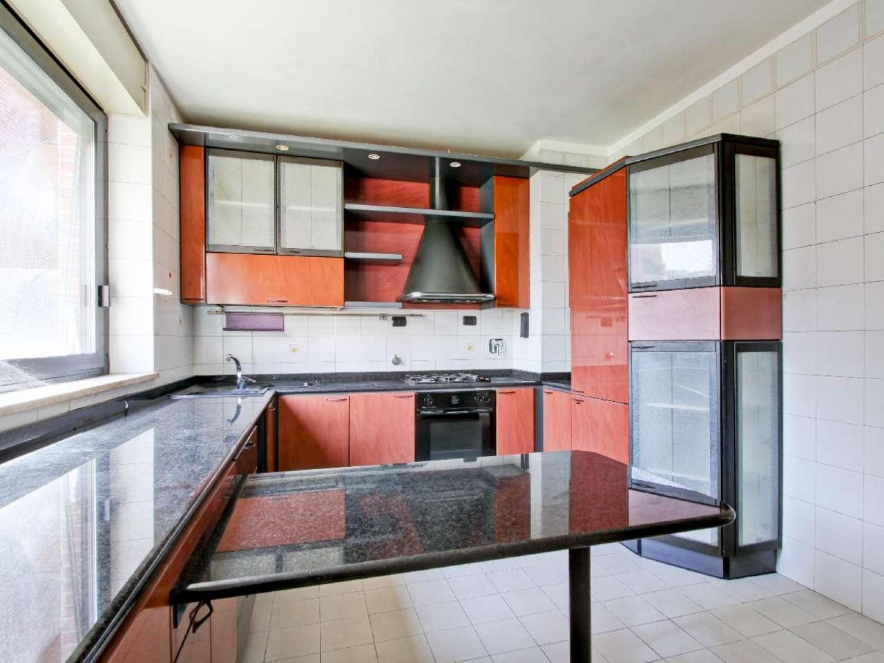 Appartamento in vendita a Roma, 2 locali, zona Zona: 18 . Ardeatino - Grotta Perfetta - Fonte Meravigliosa, prezzo € 235.000   CambioCasa.it