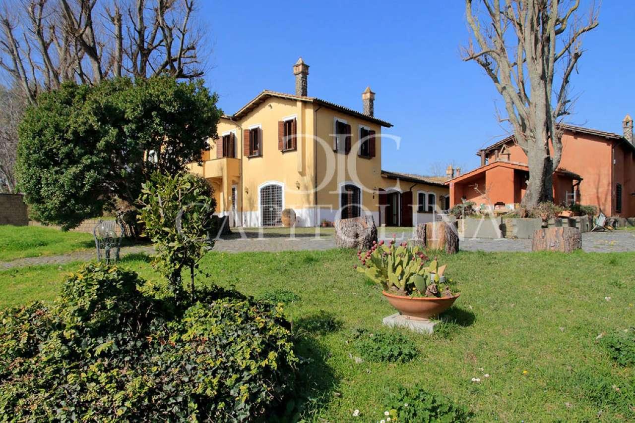 Villa in vendita a Sacrofano, 9999 locali, prezzo € 890.000   CambioCasa.it
