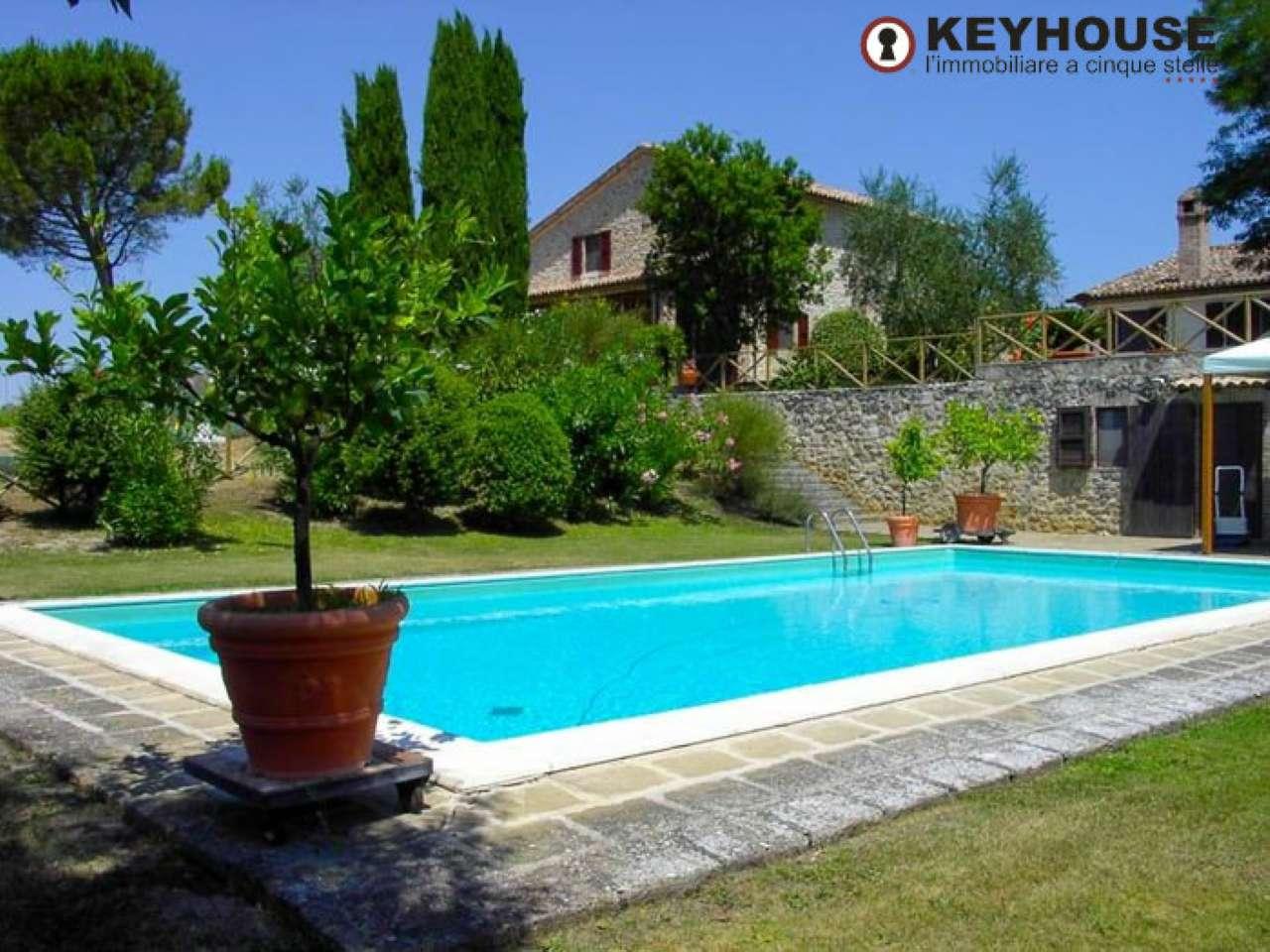 Villa in vendita a Baschi, 13 locali, prezzo € 1.290.000 | CambioCasa.it