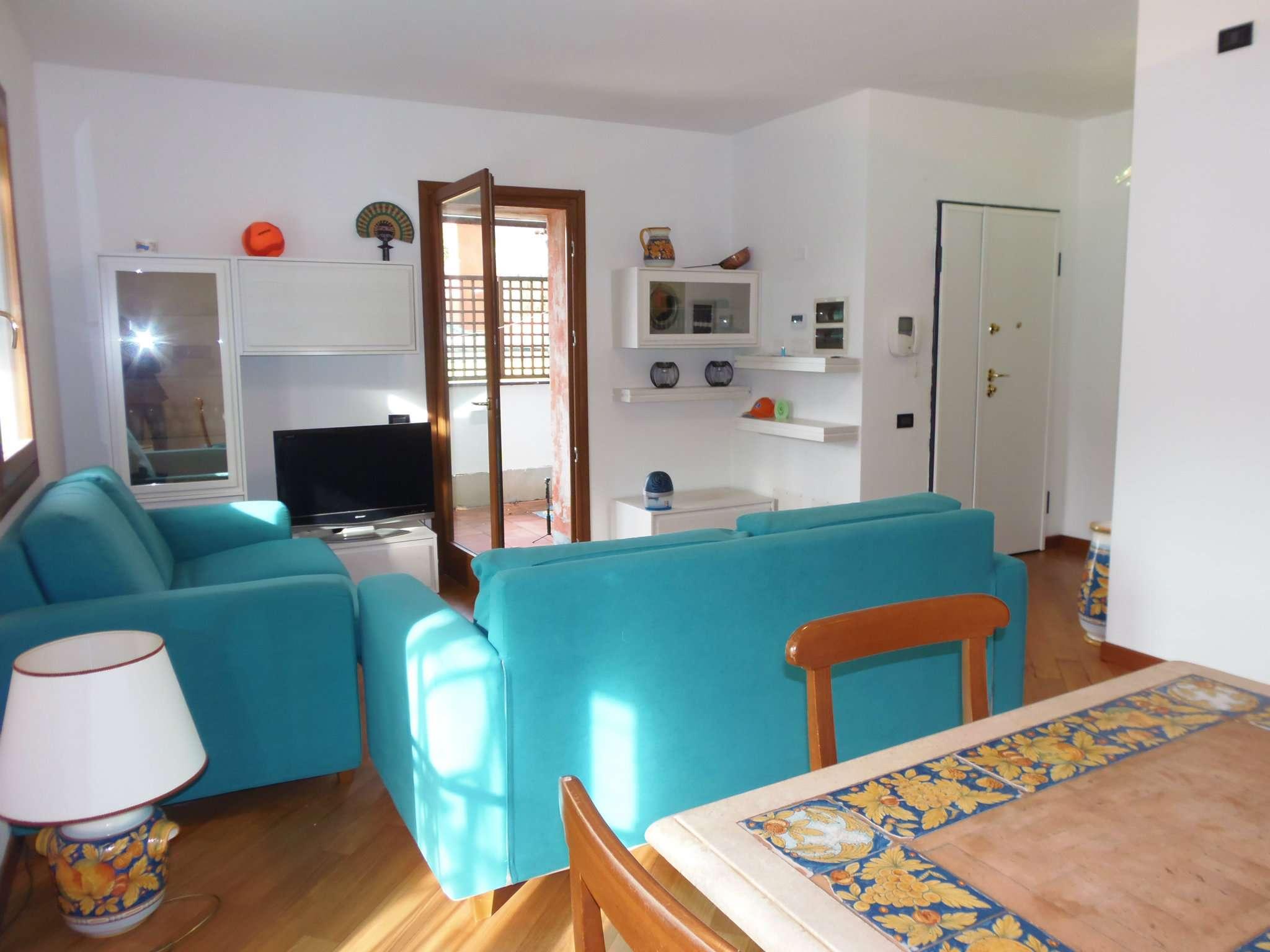 Appartamento arredato in vendita Rif. 8523388