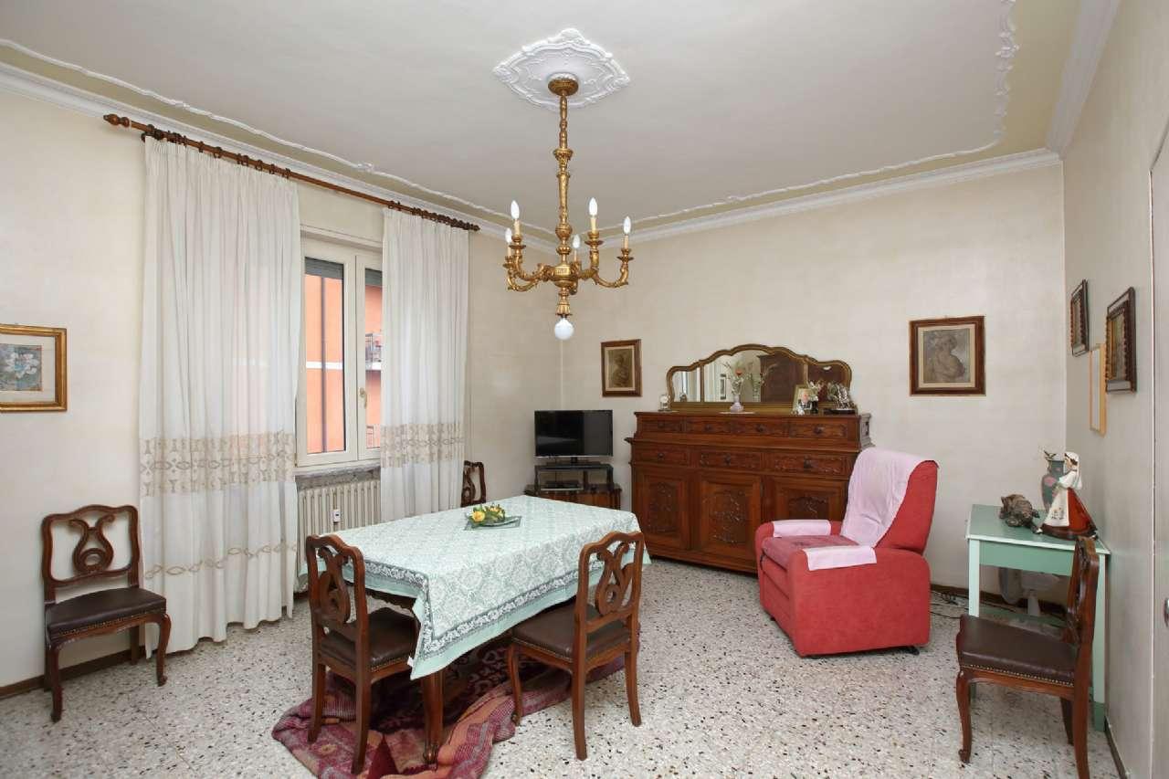 Appartamento in vendita a Chivasso, 4 locali, prezzo € 105.000 | CambioCasa.it