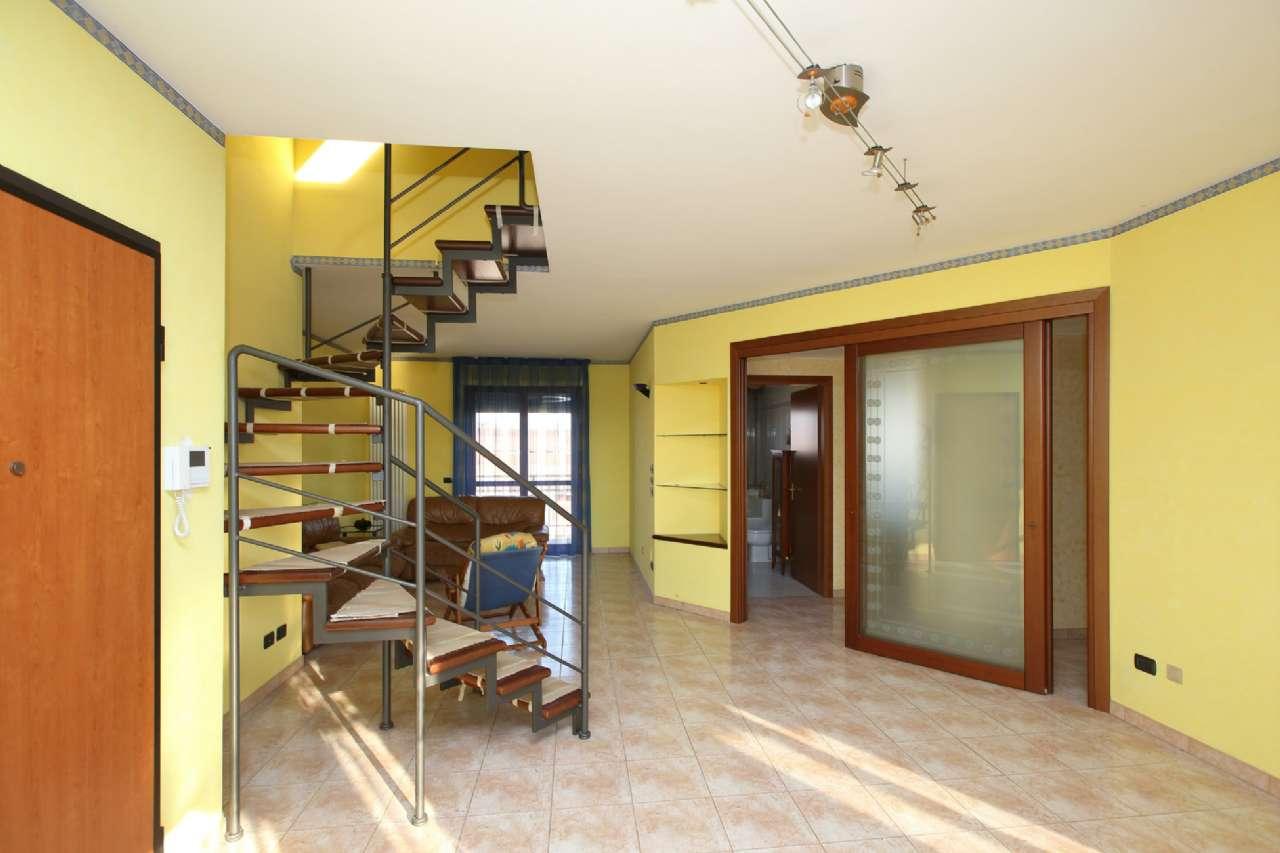 Appartamento in vendita a Chivasso, 6 locali, prezzo € 179.000 | CambioCasa.it