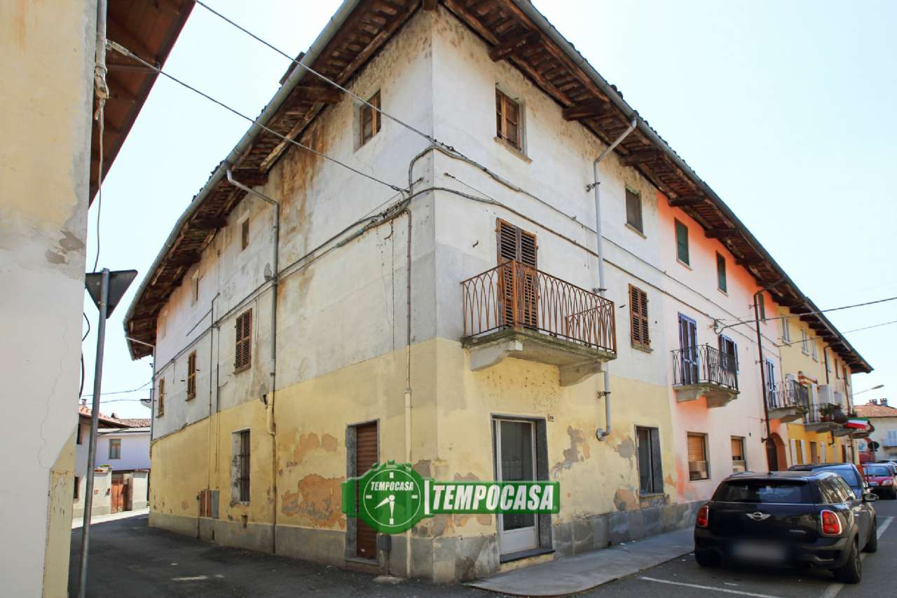 Palazzo / Stabile in Vendita a Montanaro