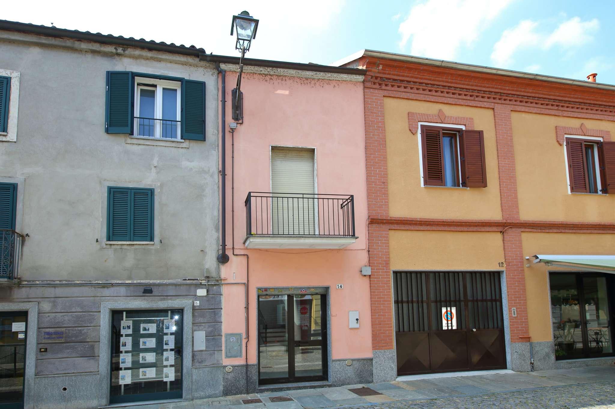 Negozio / Locale in affitto a Chivasso, 4 locali, prezzo € 500 | CambioCasa.it