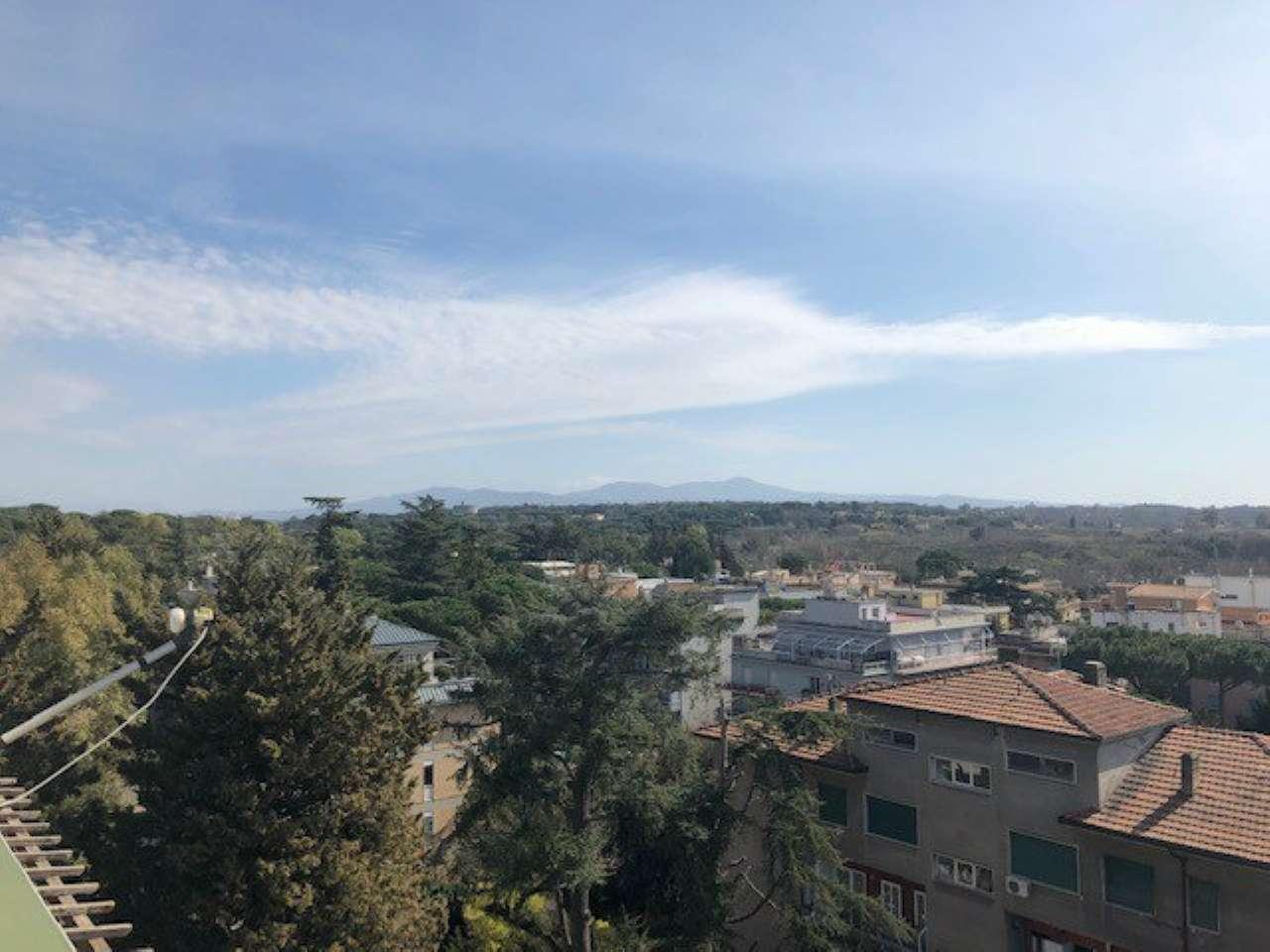 Attico / Mansarda in vendita a Roma, 2 locali, zona Zona: 18 . Ardeatino - Grotta Perfetta - Fonte Meravigliosa, prezzo € 239.000 | CambioCasa.it