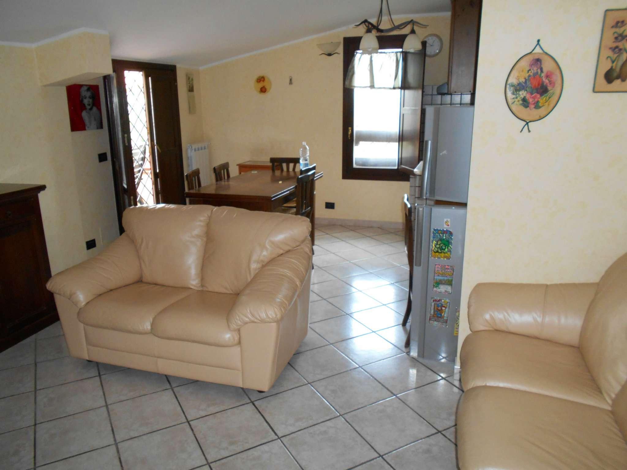 Appartamento ristrutturato arredato in affitto Rif. 7749782