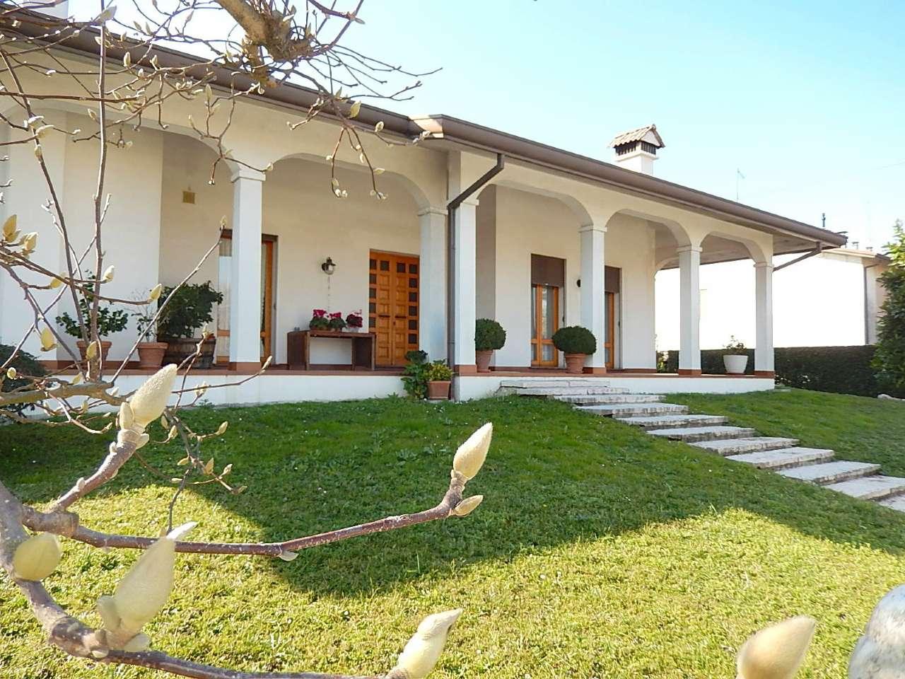 Villa in vendita a Pontelongo, 6 locali, prezzo € 270.000 | CambioCasa.it