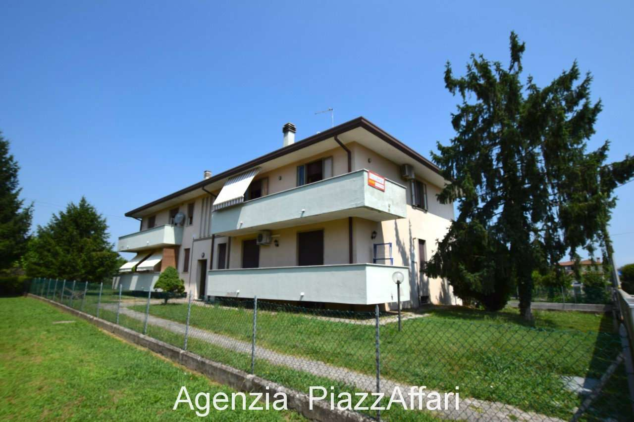 Appartamento in buone condizioni in vendita Rif. 7325877