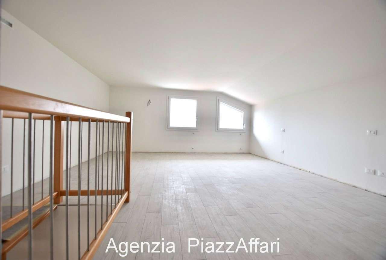Appartamento in ottime condizioni in vendita Rif. 7969991