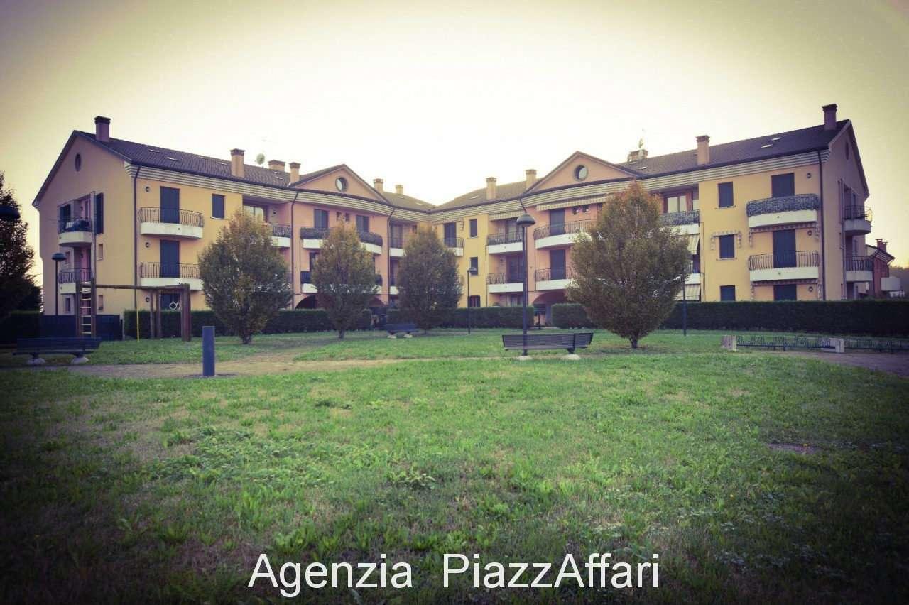 Appartamento in buone condizioni in vendita Rif. 8523421