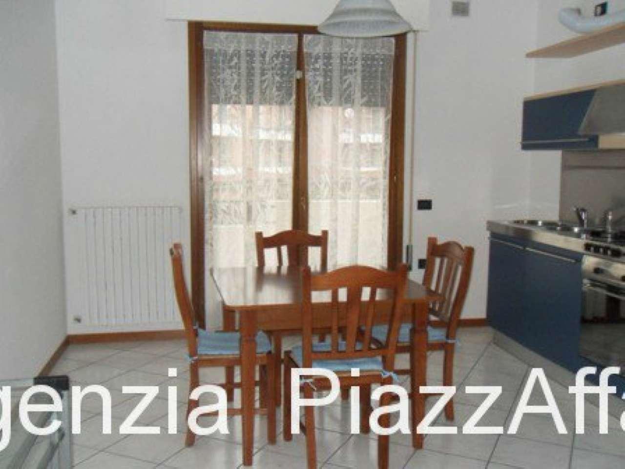 Appartamento in buone condizioni arredato in affitto Rif. 8939012