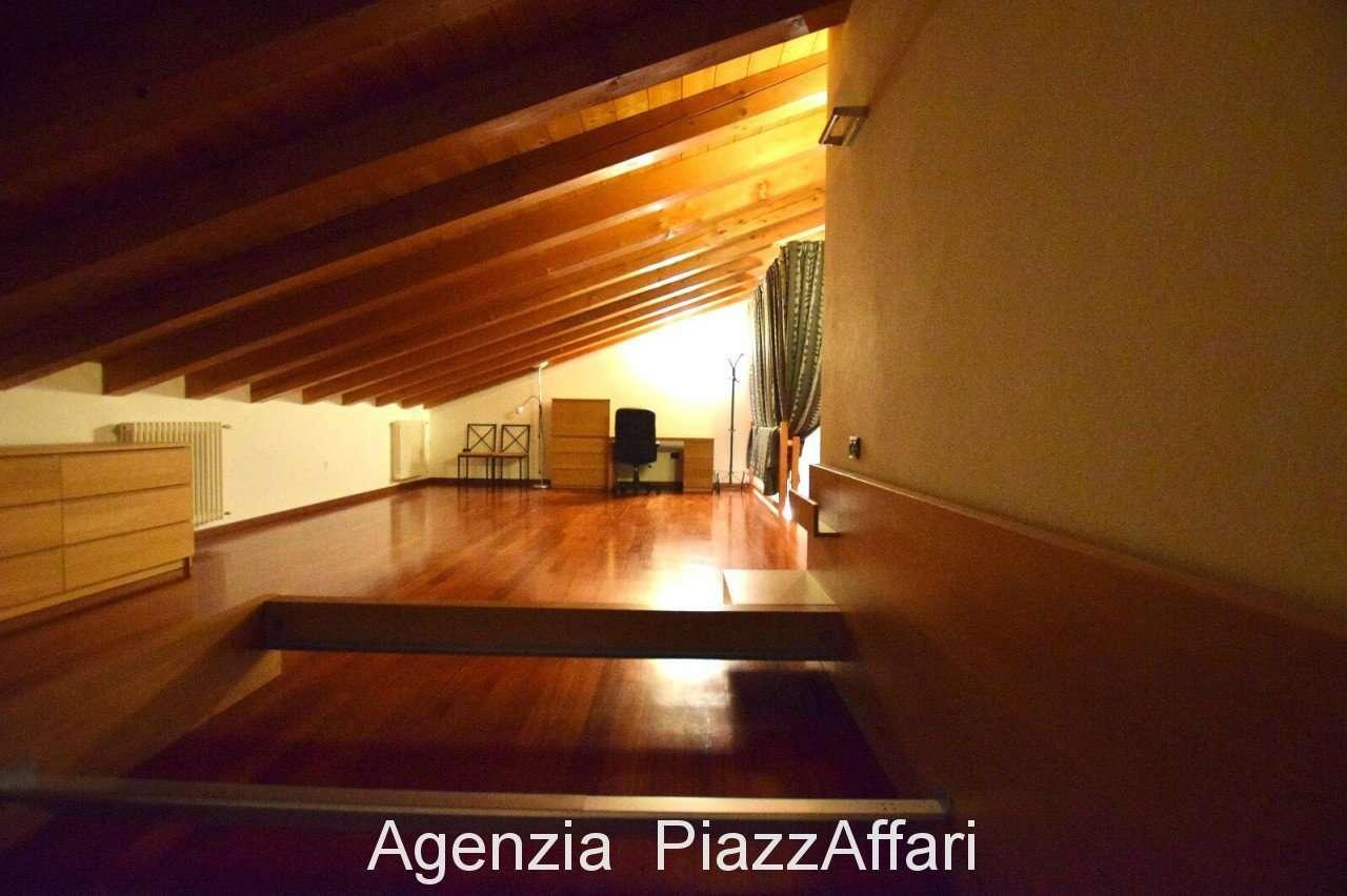 Appartamento in ottime condizioni arredato in vendita Rif. 9001160