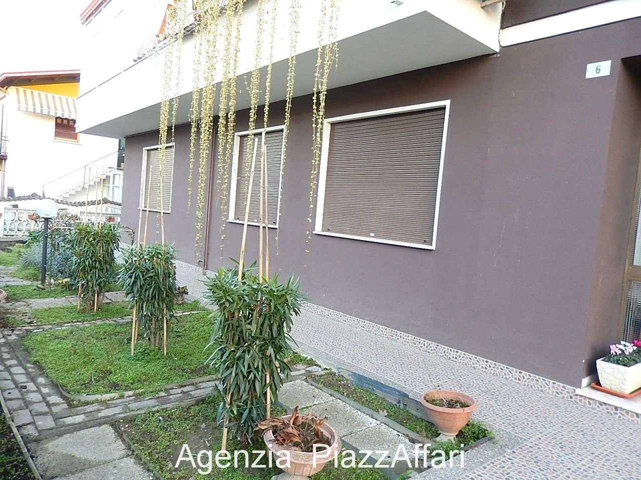 Appartamento in buone condizioni in vendita Rif. 9087790