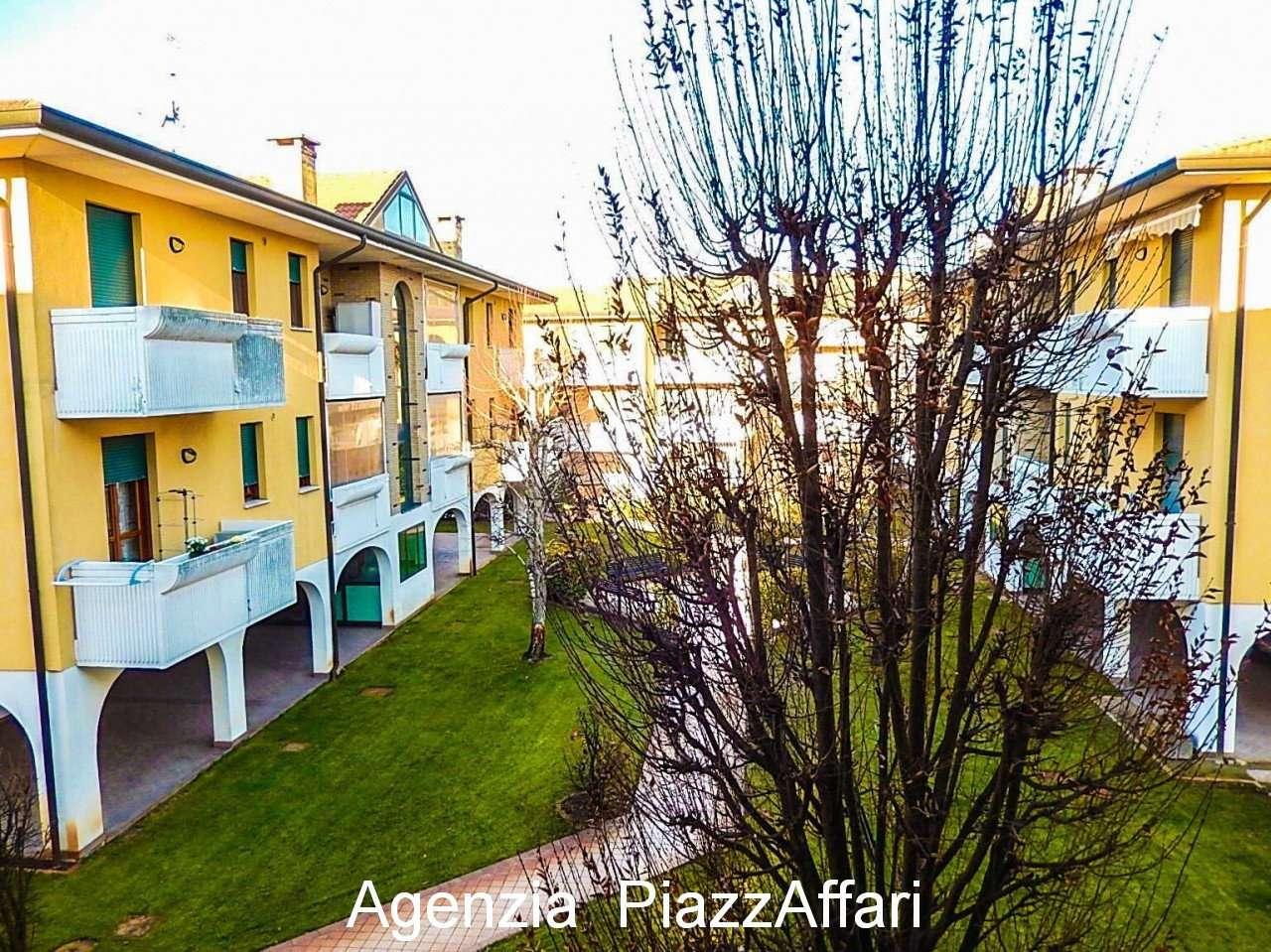 Appartamento in ottime condizioni in vendita Rif. 9274868