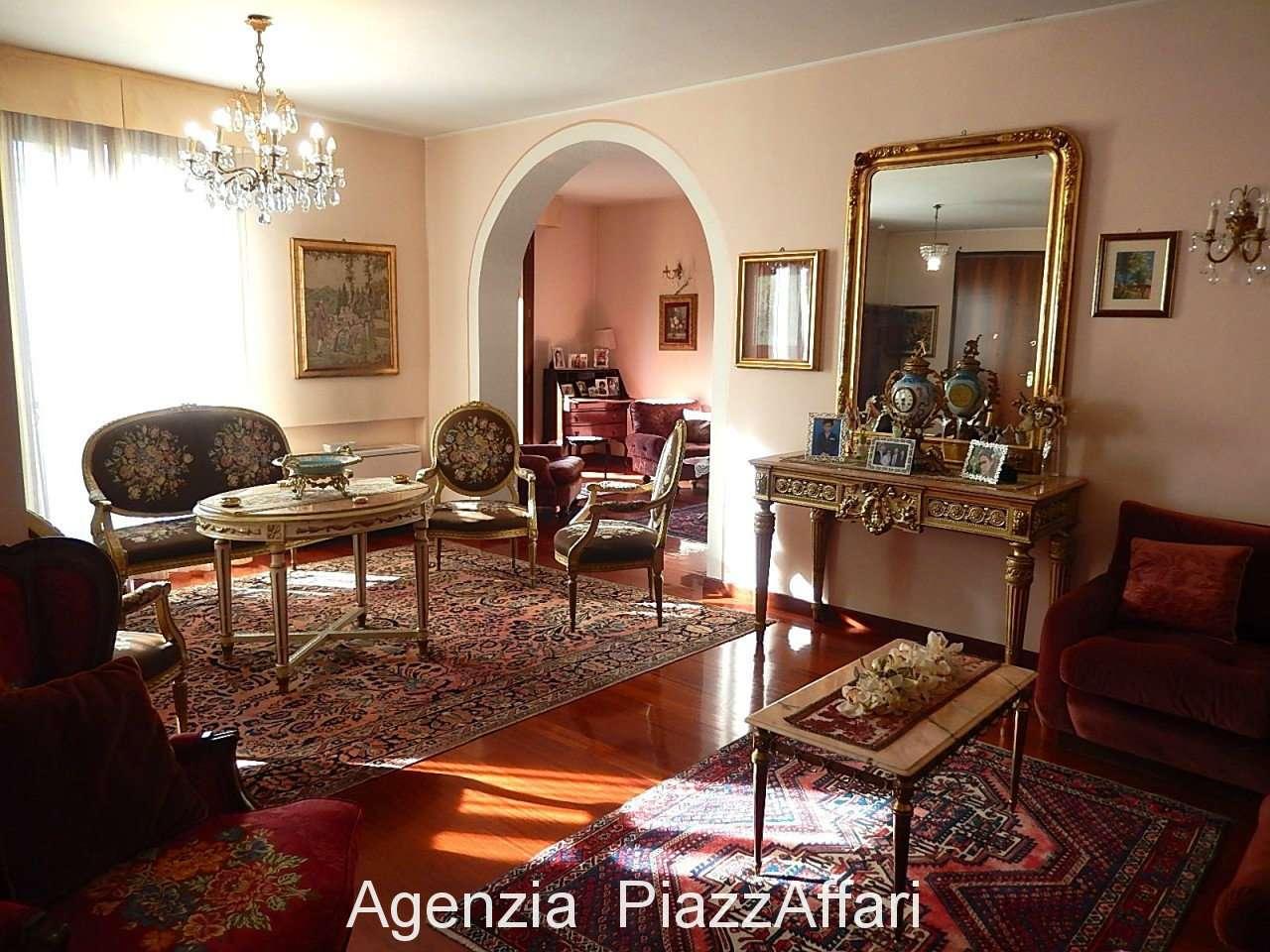 Appartamento arredato in vendita Rif. 9274869