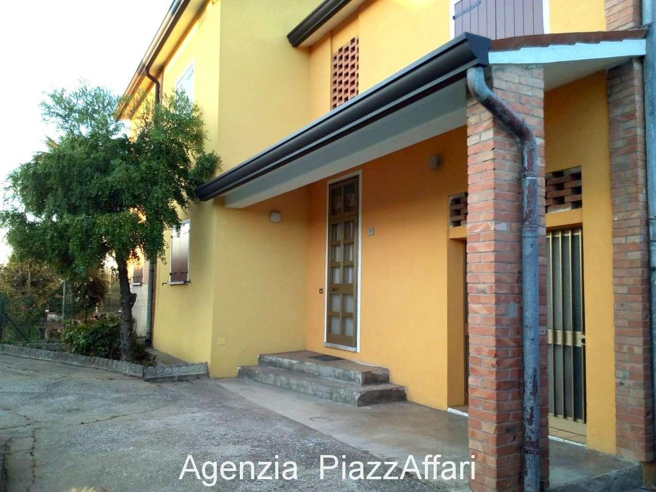 Casa Indipendente in buone condizioni in vendita Rif. 9437733