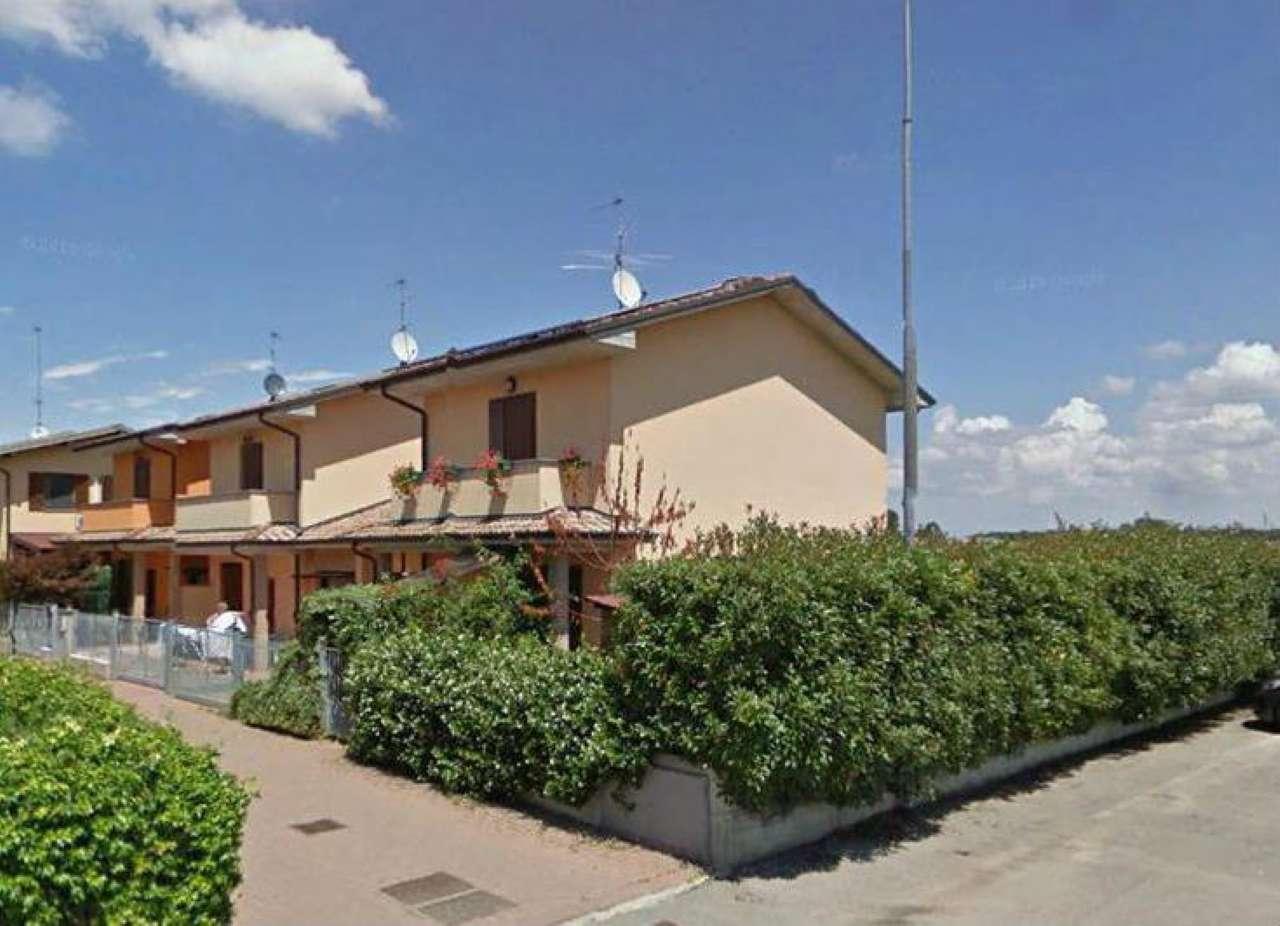 Villa a Schiera in vendita a Crema, 4 locali, prezzo € 180.000 | CambioCasa.it