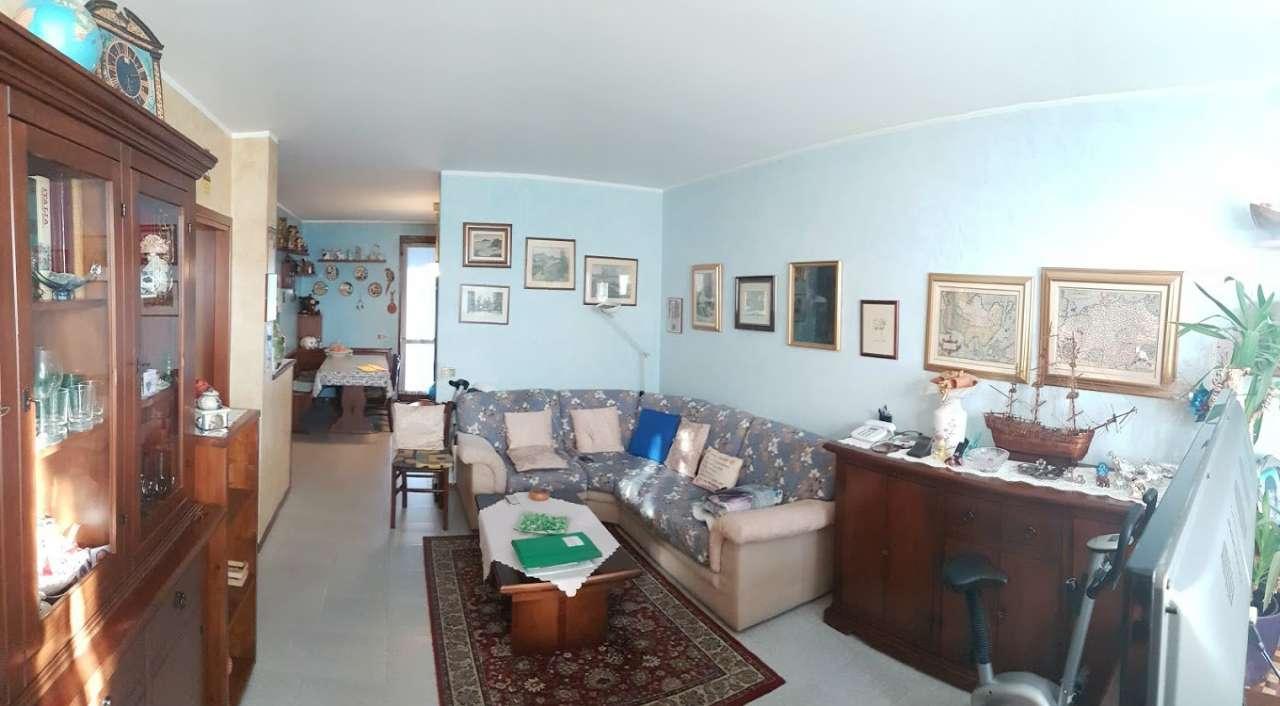 Villa a Schiera in vendita a Quintano, 5 locali, prezzo € 180.000 | CambioCasa.it