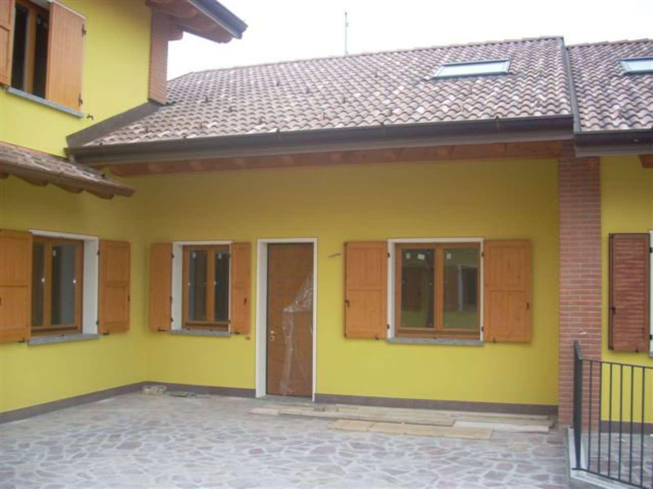 Villa a Schiera in Vendita a Bagnolo Cremasco
