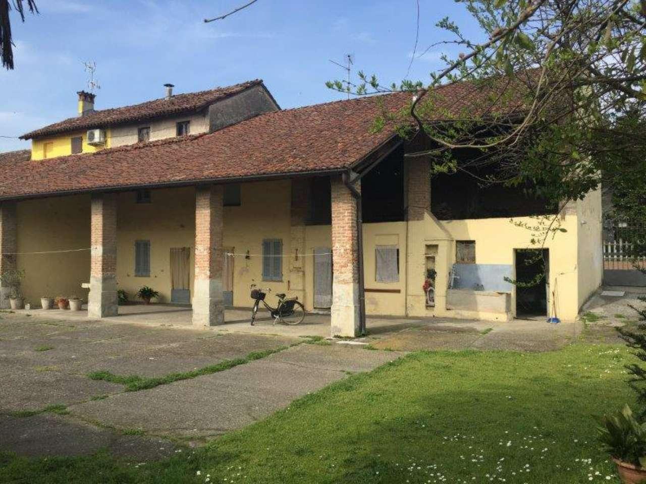 Rustico / Casale in Vendita a Monte Cremasco