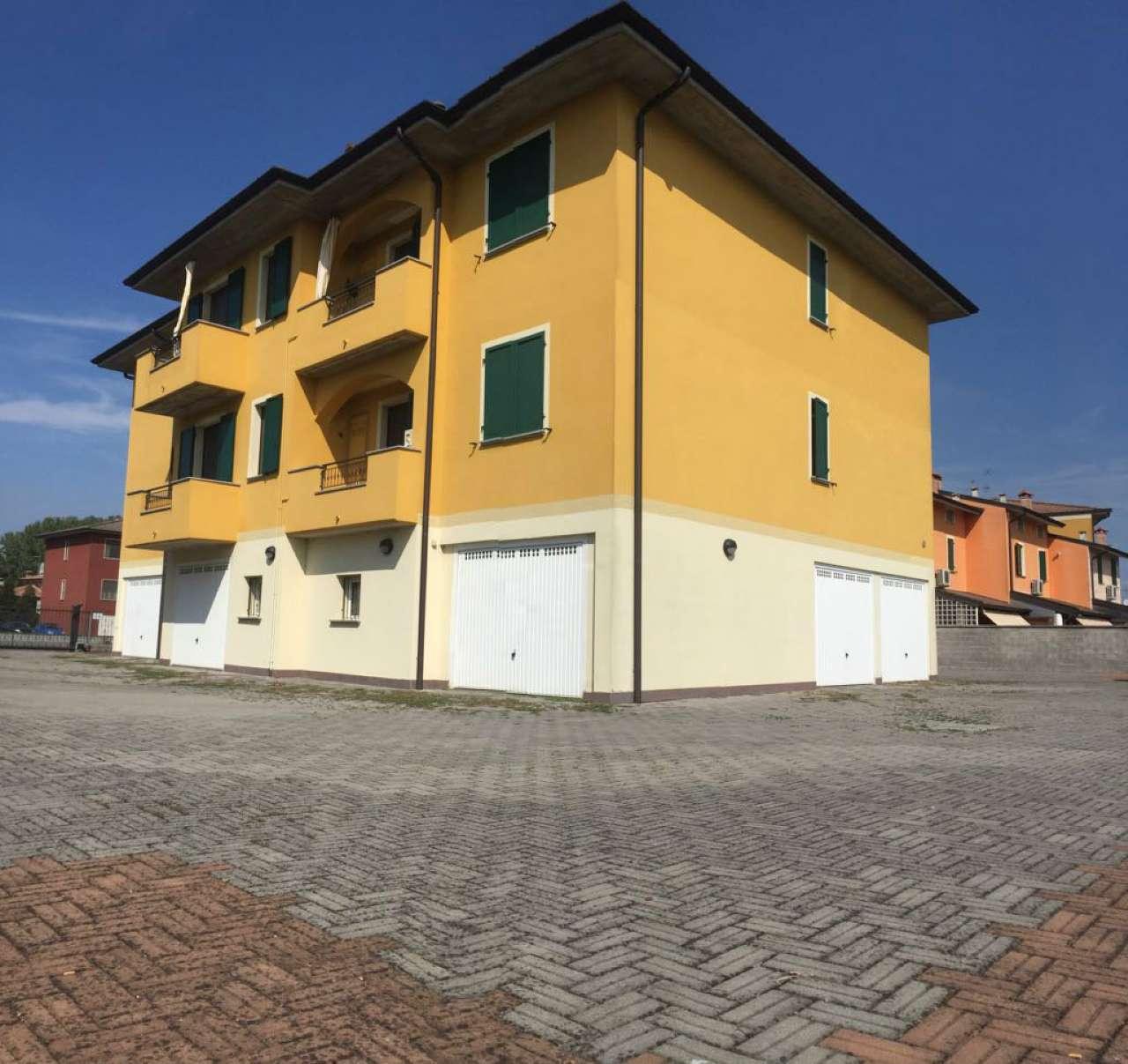 Appartamento in ottime condizioni in vendita Rif. 7690632