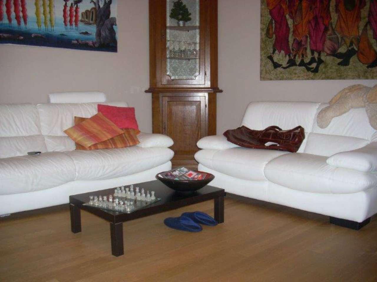 Appartamento in ottime condizioni arredato in vendita Rif. 8063772