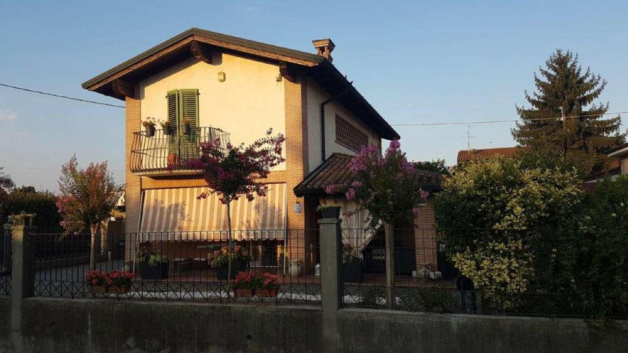 Villa in vendita a Crema, 5 locali, prezzo € 295.000 | CambioCasa.it