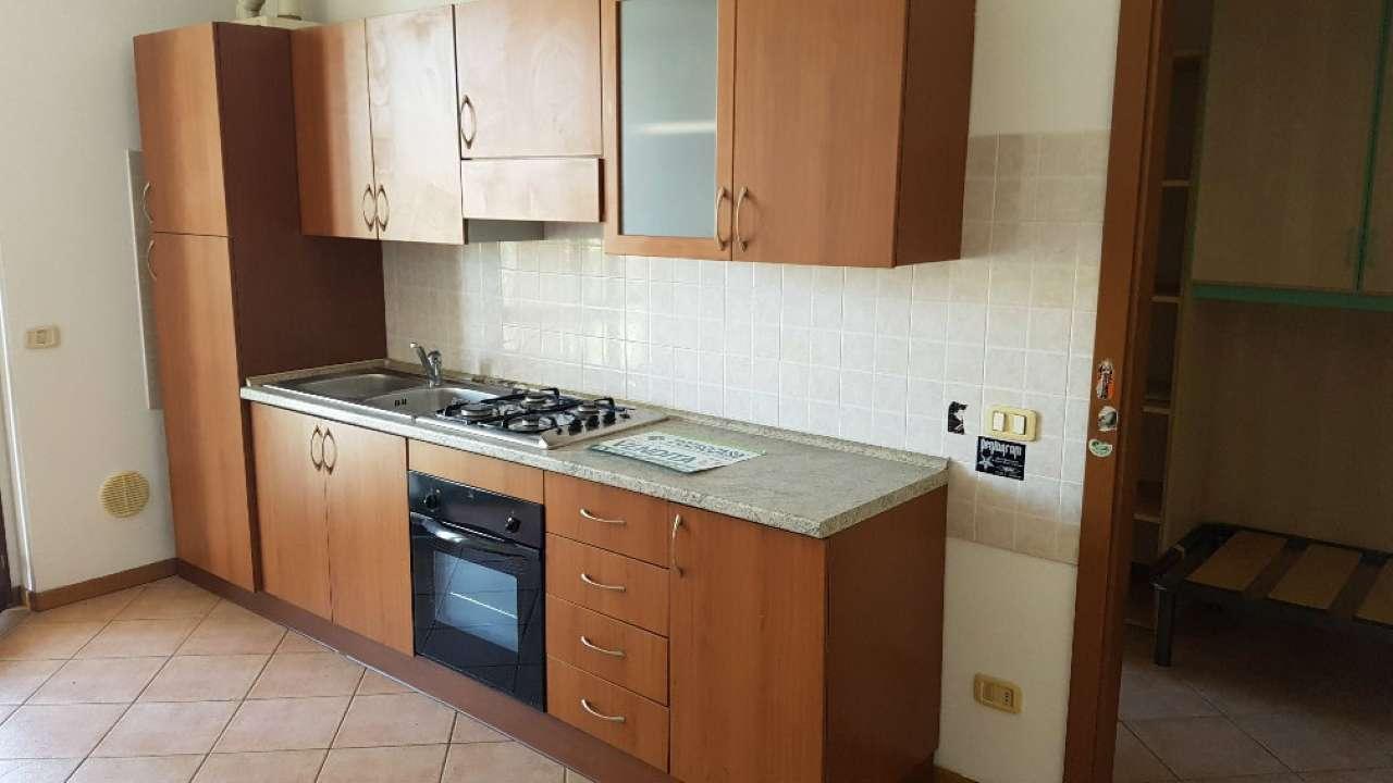 Appartamento in buone condizioni arredato in vendita Rif. 8733502