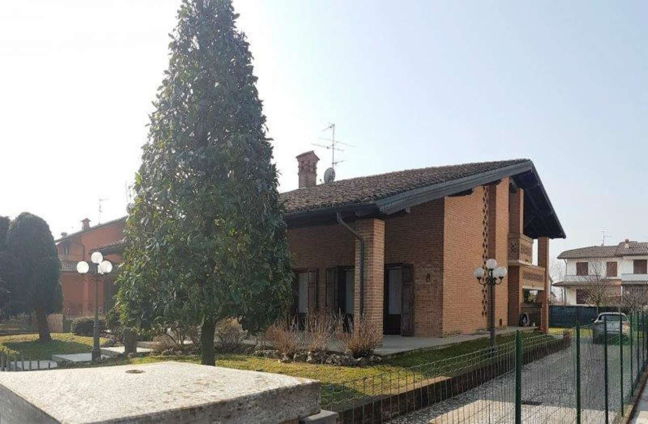 Villa in Vendita a San Donato Milanese